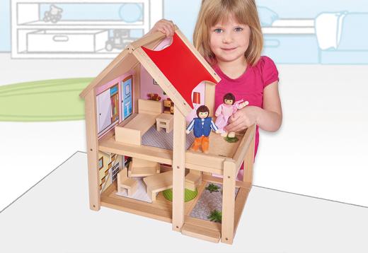 Casa de muñecas de madera con figuras_1