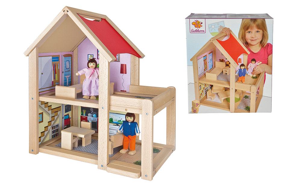 Casa de muñecas de madera con figuras_2