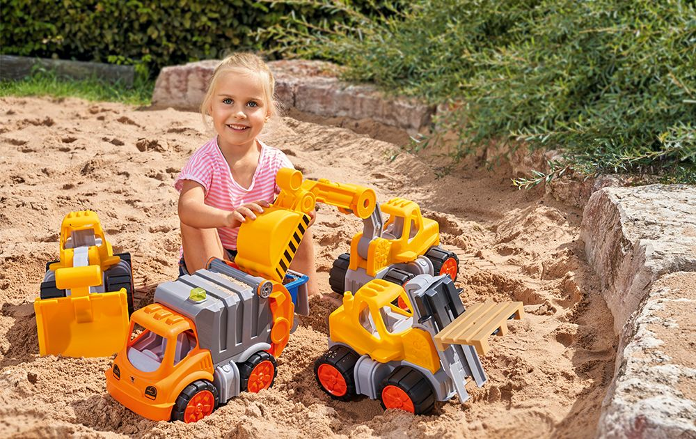 Toys to make kids happy on Easter 2020